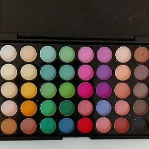 Eyeshadow palletes 80 colors